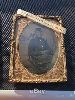 Identified Civil War 1/4th Plate Tin Type Of 60th New York Soldier With Backdrop